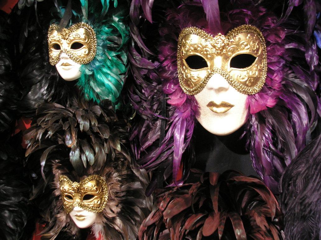 Mask by Kleio B'wti
